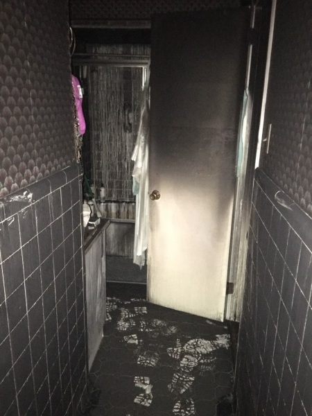 Hall bathroom before remodel