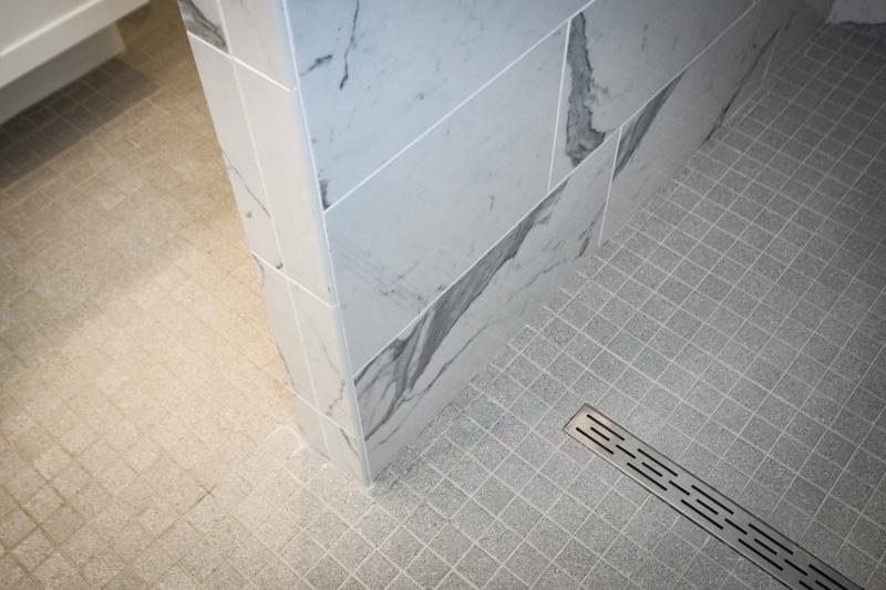 Seamless water drain